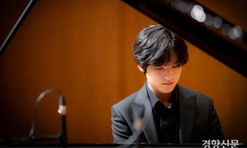 [경향신문] 17세 피아니스트 임윤찬···리스트의 초절기교 선보이는 '괴물 신예'